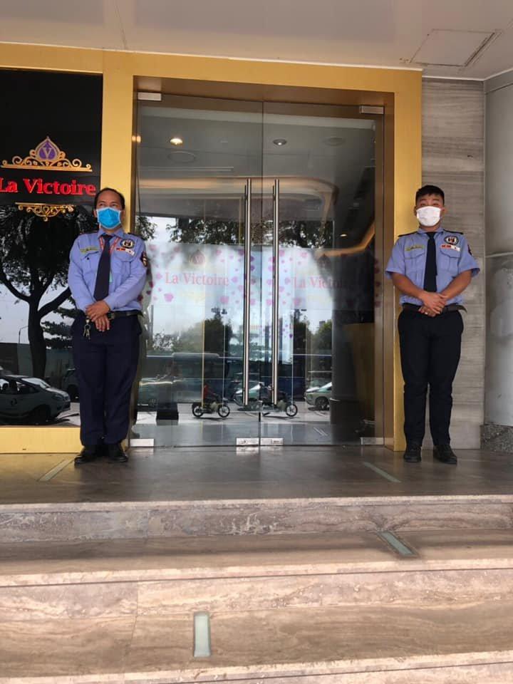 Bảo vệ tòa nhà văn phòng, căn hộ chung cư