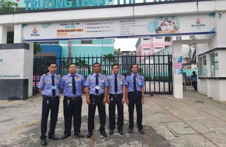 bảo vệ trường học